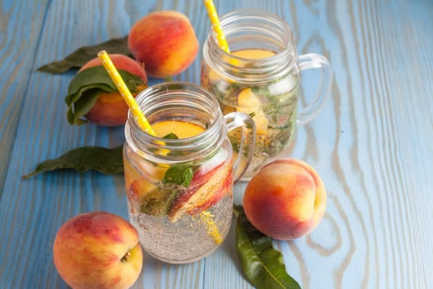 agua infusionada con frutas